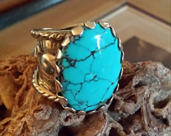 Sterling silver vintage native American turquoise ring
