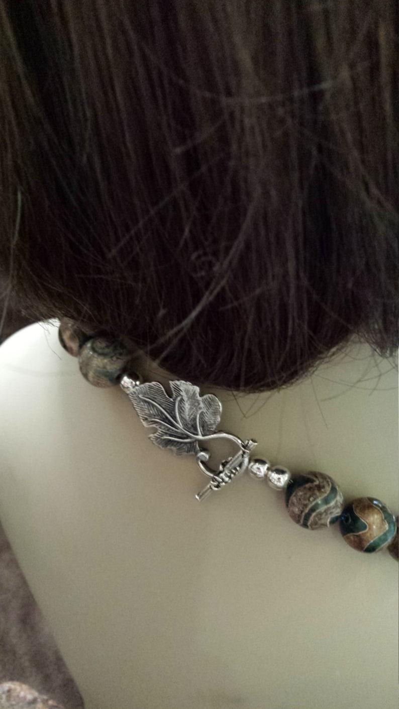 One strand polished painted jasper beaded necklace
