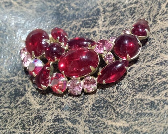 Vintage brooch with red and pink pronged crystal made by Weiss