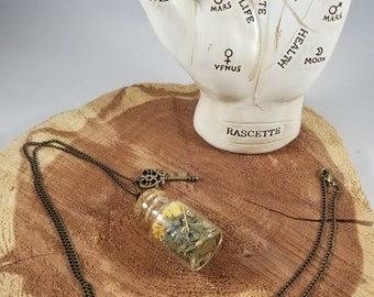 The Psychic Protection Spell Bottle: Hawthorn, Pyrite Chips and Calendula! ~, Witch, Mystic, Jewelry