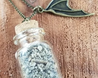 The Necromancer's Vial: Graveyard Dirt w/ Bat Wing Charm! ~Witch, Mystic, Ritual