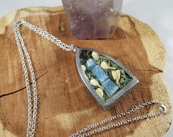 Transformation Amulet: Jasmine Flowers, Vietnamese Aquamarine, Alfalfa & Butterfly Wings! ~Witch, Mystic, Magick