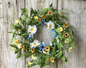 Summer Wreath with Mixed Daisies and Foliage