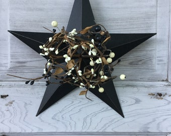 Primitive Black Barn Star with Black and Cream Pip Berries