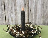 Black Iron Candle Pan with Pip Berries and Candle, Wrought Candle Holder, Primitive Candle Pan, Taper Candle Holder, Primitive Decor