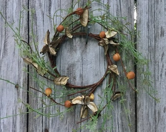 Candle Ring with Cotton Hulls, Greenery and Berries