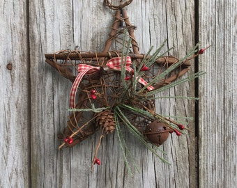 Grapevine Pocket Star with Pine and Rusty Bel