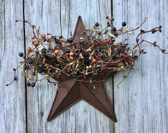 Rustic Wall Pocket Star with Mixed Fall Berries