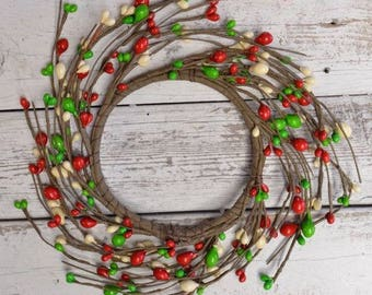 Classic Red, Cream and Green Pip Berry Candle Ring and Coordinating Garland