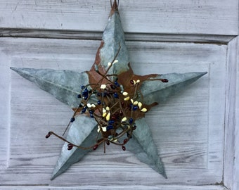 Galvanized Barn Star with Mixed Pip Berries
