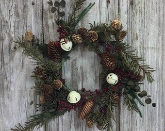 Country Bell Pine Wreath