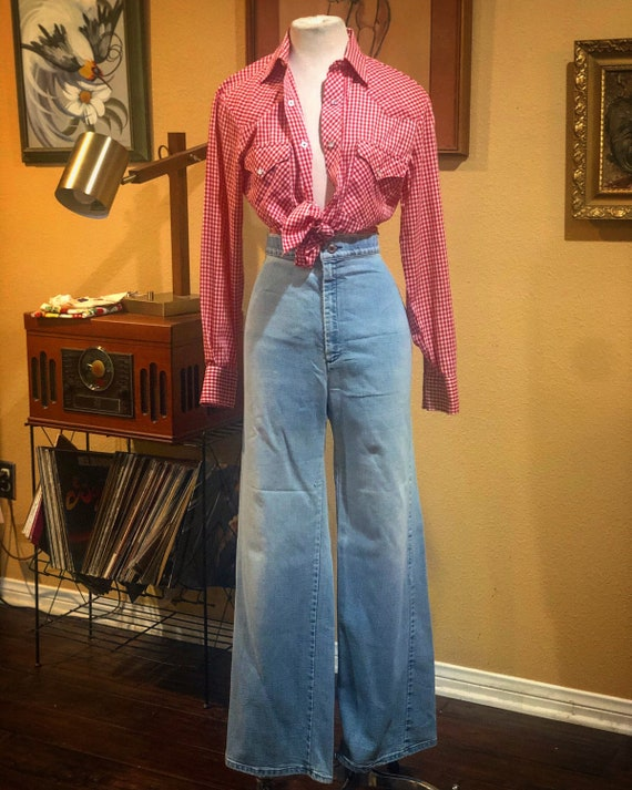 Vintage 1970's Distressed Levi's High Waisted Jean