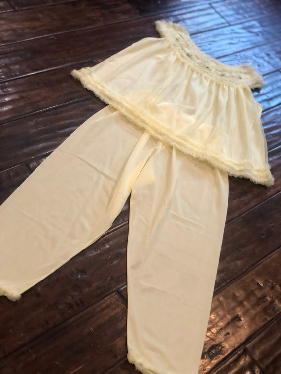 Vintage 1950s Yellow Pajama Set - image 2
