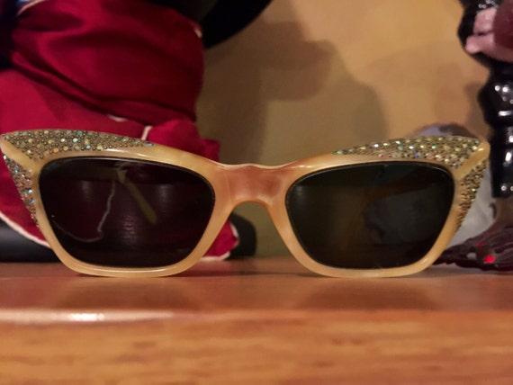 Vintage  Cat Eye Sunglasses with Rhinestones 1950'