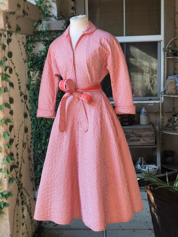 Vintage 1950's Quilted Striped Dressing Gown