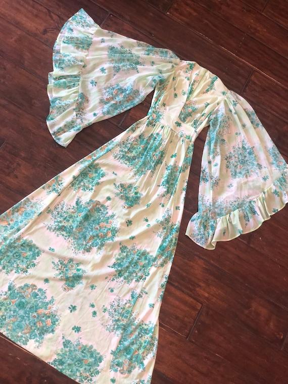 Vintage 1970's Dress with Angel Sleeves