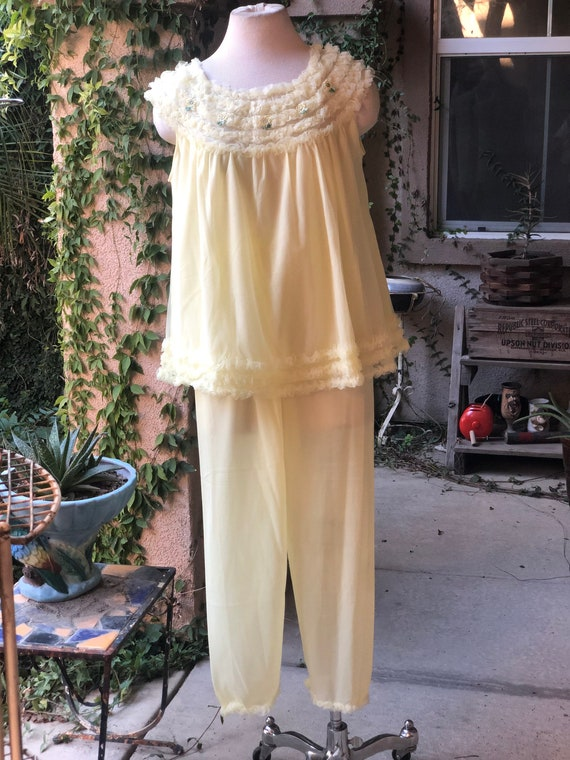 Vintage 1950s Yellow Pajama Set