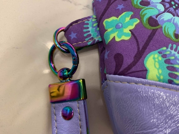 BQP Wristlet Kits include - Key Fob, D-ring interfacing, decovil and a detailed pattern.