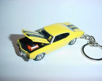 1970 CHEVROLET CHEVELLE SS DIECAST MODEL CAR KEYCHAIN KEYRING NEW BLACK W STRIPE