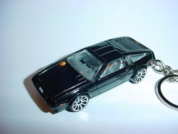 LOTUS ELAN METAL KEY RING CHOOSE YOUR CAR COLOUR.