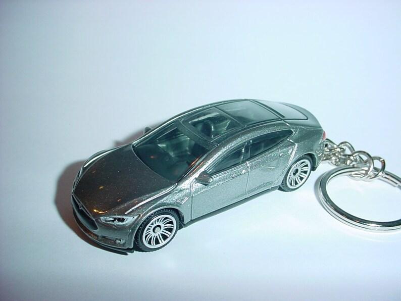 3D Tesla Model S custom keychain by Brian Thornton keyring key chain  finished in silver trim electric car awd models