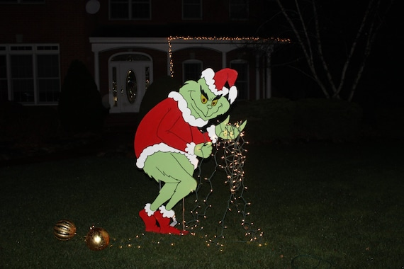 Grinch Stealing Christmas Lights.Grinch Stealing Christmas Lights Yard Art Grinch Yard Art Painted On Both Sides