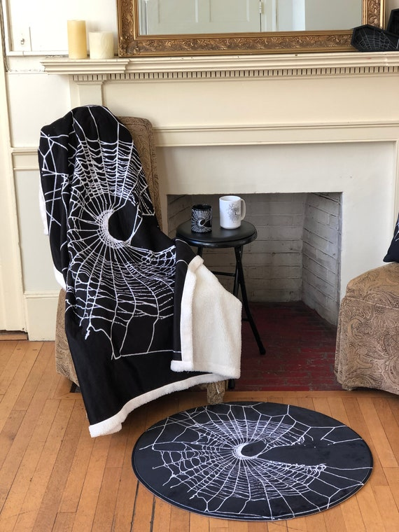Spider Web Blanket, Cobweb Throw Fleece, Black Gothic Fleece Bedroom Bedding, Nature Inspidered Throw