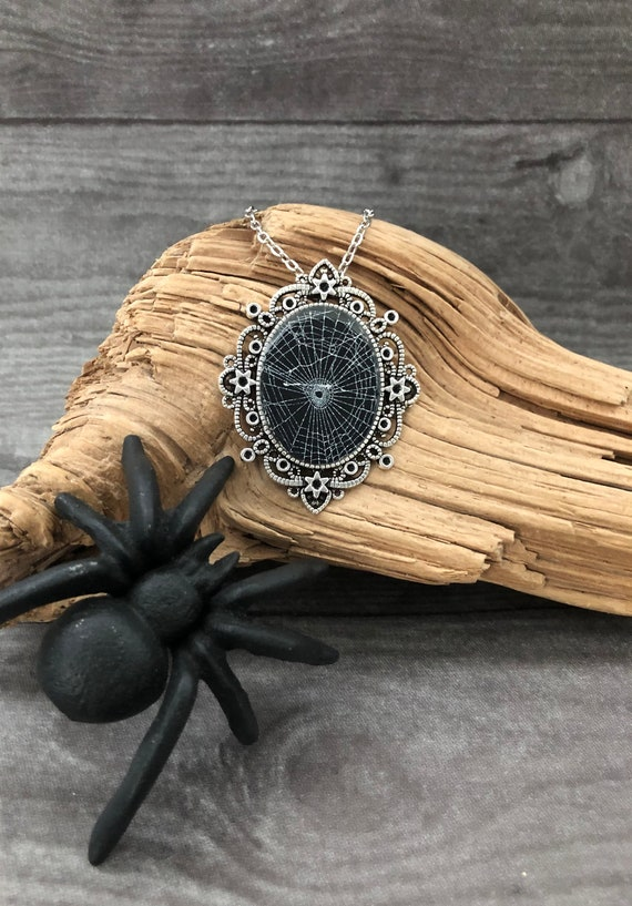 Witchy Jewelry, Spider Web Necklace, Spider Web Pendant, Gothic Necklace, Spider Web Jewelry, Preserved Spider Web, Halloween Jewelry