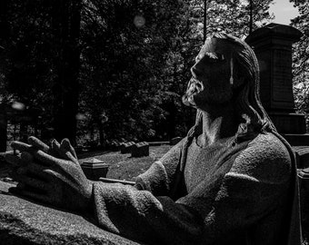 UNTITLED - Greenwood Cemetery, Brooklyn NY. 2020. photograph by Nathaniel Shannon