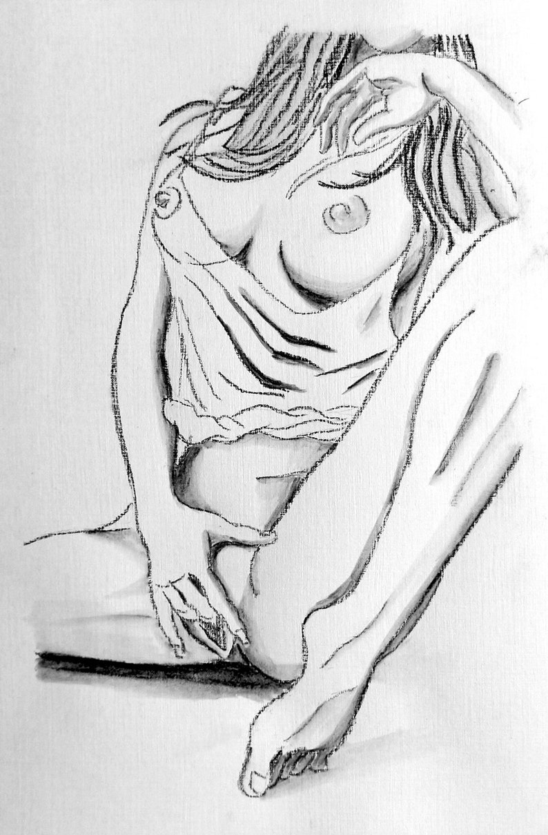 She sketches nude men