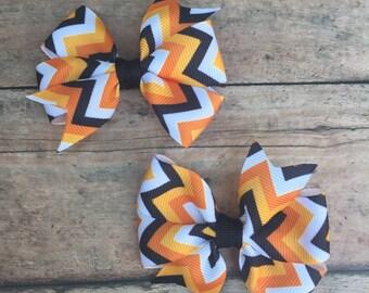 Halloween bow - Halloween hairbow - Black and Orange bow - Pigtail bows - Halloween - First Halloween - Halloween Hair Clip -  Small bows