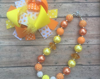 Candy Corn Hair Bow - Bow  and Necklace Set - Halloween Hair Bow - Chunky Necklace - Candy Corn - Halloween Set - Girl Hairbow Set