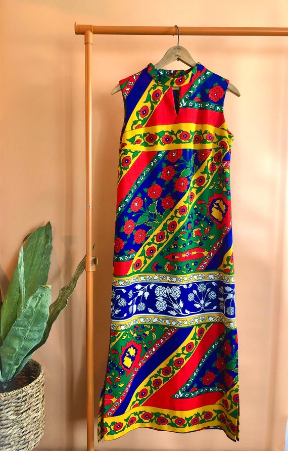 Vintage 1960s mock neck 60s maxi red blue yellow g