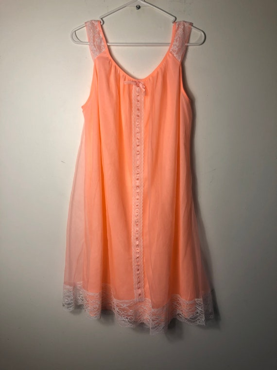 Vintage 1960s 1970s peach nightie peignoir orange