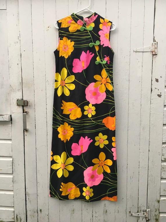 57747bfeb42 Vintage Hawaiian Flower Power Black Neon Hot Pink Cotton Asian