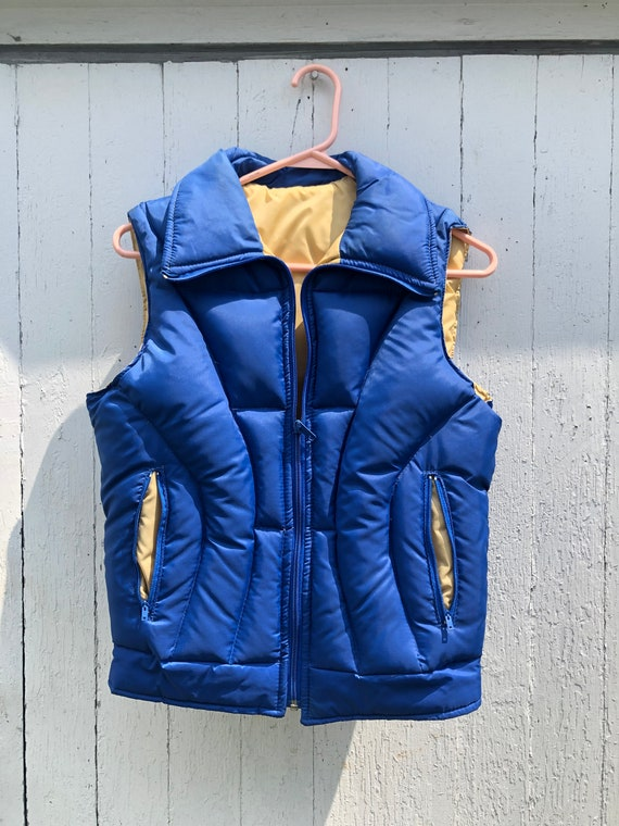 Vintage 1970s 1980s blue and tan puffer vest that
