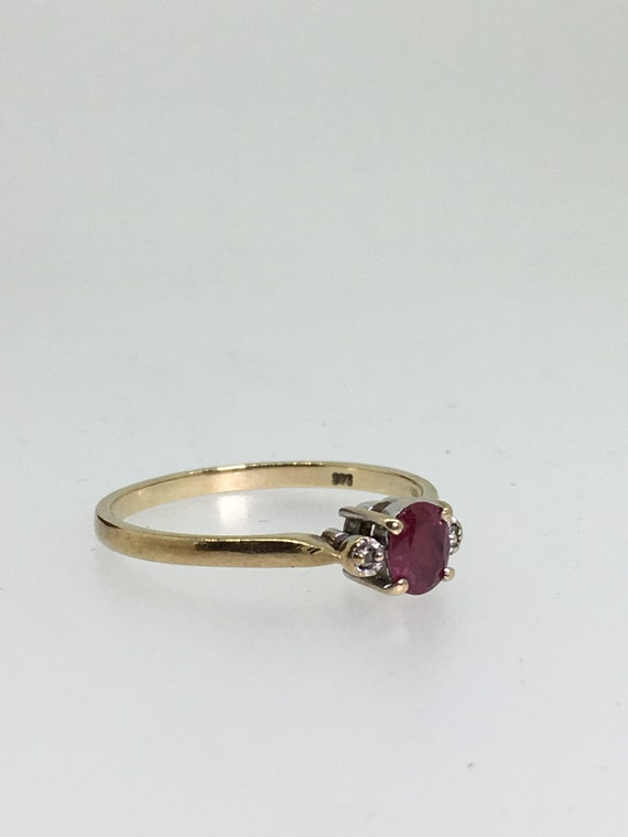 0.35ct Oval Ruby /& Diamond Vintage Ring in 9K Yellow Gold