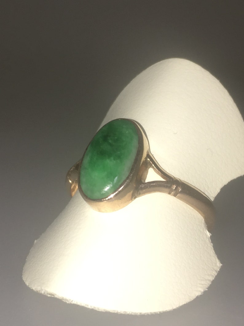 Oval Cabochon Jade in 9K Yellow Gold Free Shipping /& Re-Sizing!