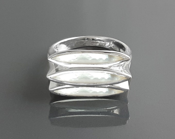White Ring, Sterling Silver, GENUINE White Mother-of- Pearl Shell Jewelry, Modern Flat Pearl jewelry, Three Shell Stone Ring
