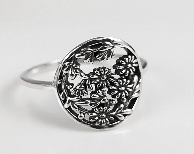 Daisy Ring, Sterling Silver, Daisies Flowers Pattern, Floral Jewelry, Flower Wreath Ring, Bouquet of Flowers Crown Ring, Round Ring