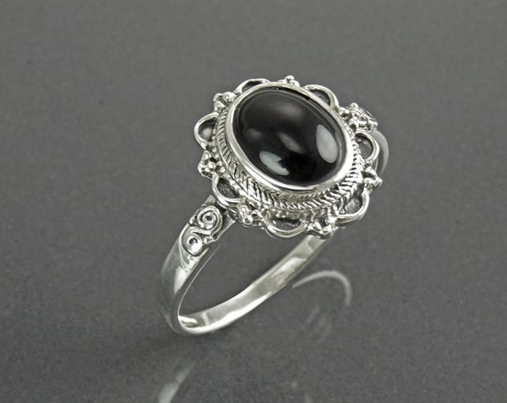 Onyx Dainty Ring, Sterling Silver 925, Black Stone Ring, Onyx Gemstone Jewelry, Festival Ring, Gypsy Boho Tribal Ring, Victorian Ring, Woman