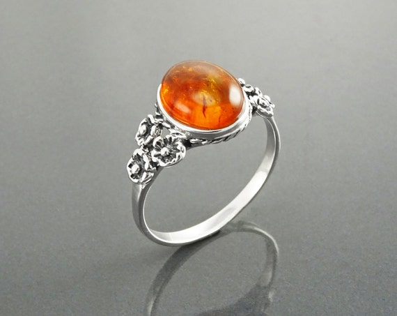 NATURAL Amber Ring, Sterling Silver, NOT-DYED Real Amber Gemstone Ring, Dainty Small ring, Comfortable Vintage Style Ring, Oval Stone Ring