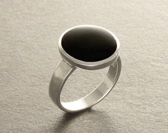 Black Onyx Round Ring, Sterling Silver 925, Genuine Onyx Gemstone, Black Stone Ring, Simple Minimalist Modern Ring , Black Onyx jewelry
