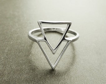 Triangle Ring, Sterling Silver, Spike Ring, Chevron ring, Peak Ring, Delta Ring, Arrow Ring, Arrow Headed Ring, Point Ring, Sharp Ring