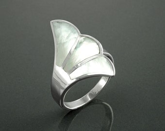 White Shell Ring, Sterling Silver, Flat Stone Ring, Genuine Mother of Pearl Shell Ring, Fanned Wave Wing, Unique Band Ring, Pearl Jewelry