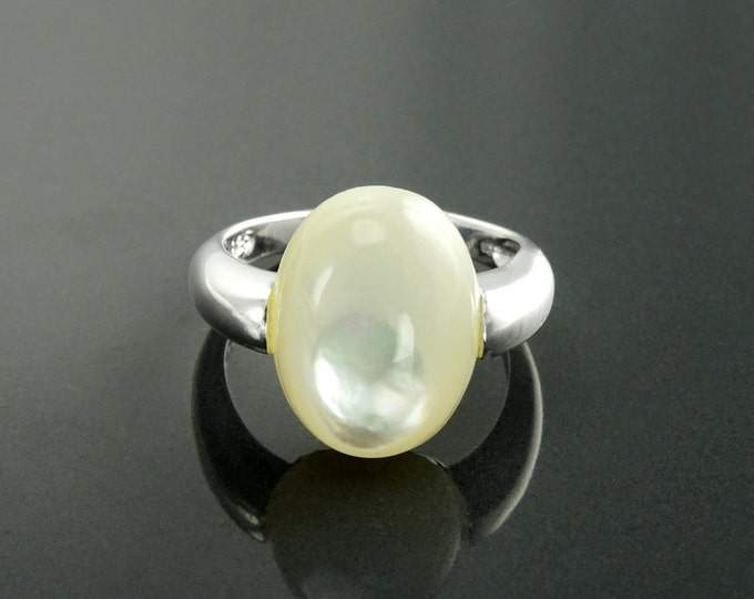 Oval White Ring, Sterling Silver, Mother of Pearl Shell, Modern Minimalist Stone Jewelry, Original Design Setting