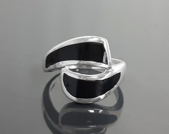 Black Waves Ring, Sterling Silver, Black Onyx Stone Jewelry, Modern Geometric Bypass Curved Comma Wave Design, Inlay Stones