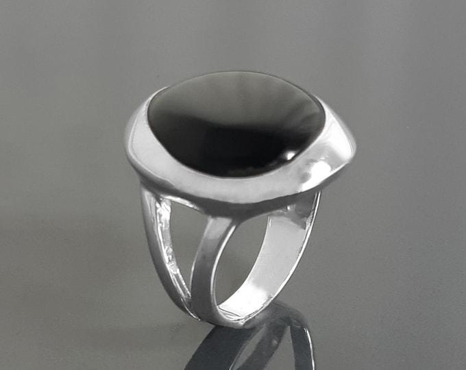 Black stone Ring, Sterling Silver, Genuine Black Onyx gemstone, unique modern shape design jewelry