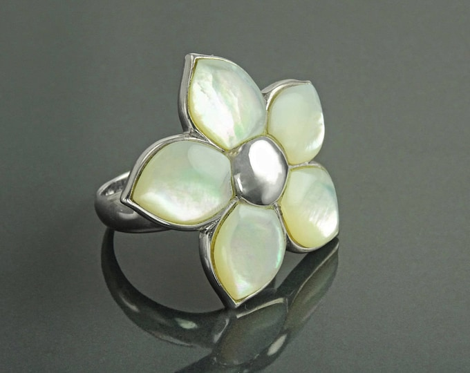 White Flower Ring, Sterling Silver, Mother of Pearl Shell , Polynesian Blossom Frangipani Flowers Petals Ring, White Stone Ring