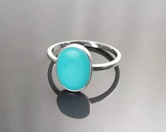 Oval Turquoise Ring, Sterling Silver, Flat Genuine Turquoise Gemstone, Small Everyday blue Stone jewelry, Modern Minimalist Style Ring